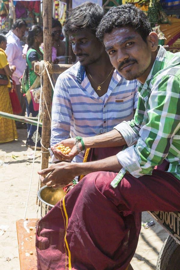Editorial documental FESTIVAL del MASI MAGAM, PUDUCHERY, PONDICHERY, TAMIL NADU, la INDIA - 1 de marzo de 2018 Ingenio no identif imagen de archivo