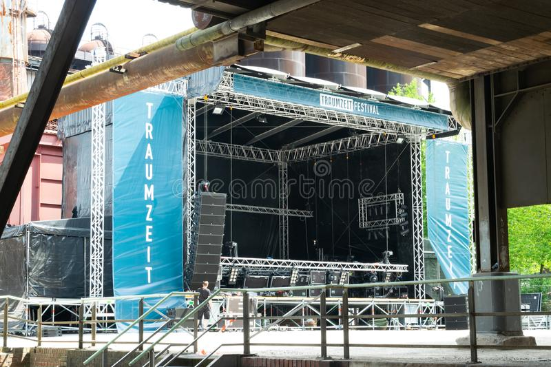 Editorial: 06.20.2018 Duisburg Germany building up the stage for the coming event festival stock images