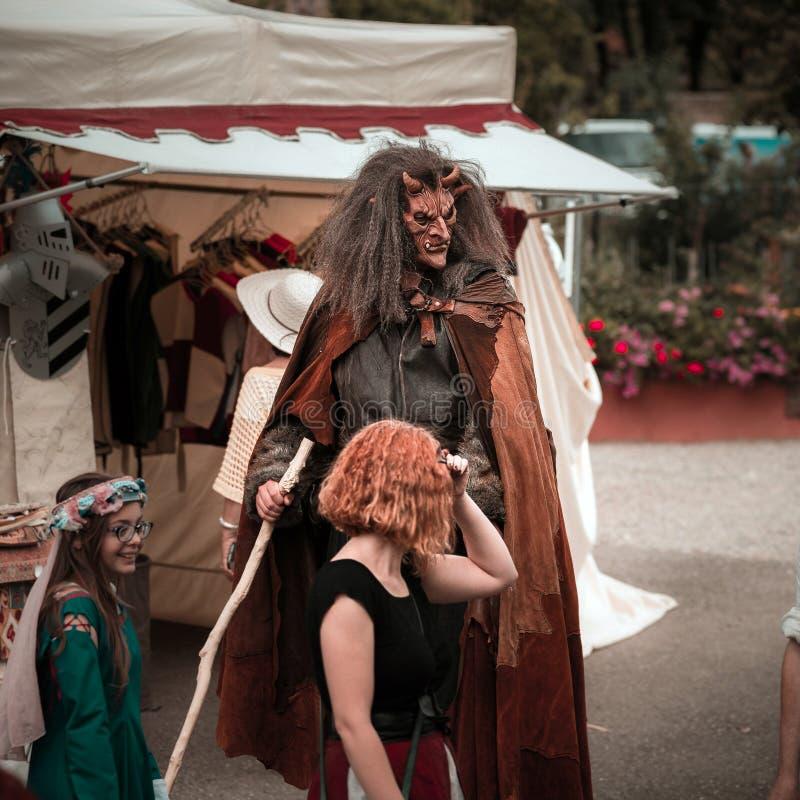 Editorial, el 14 de junio de 2015: Chatenois, Francia: DES Remparts d de la fiesta fotografía de archivo