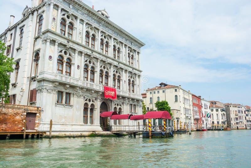 editorial Em junho de 2019 Veneza, Italy Vista do canal grande da cidade e dos Di Venezia do casino em Veneza imagens de stock royalty free