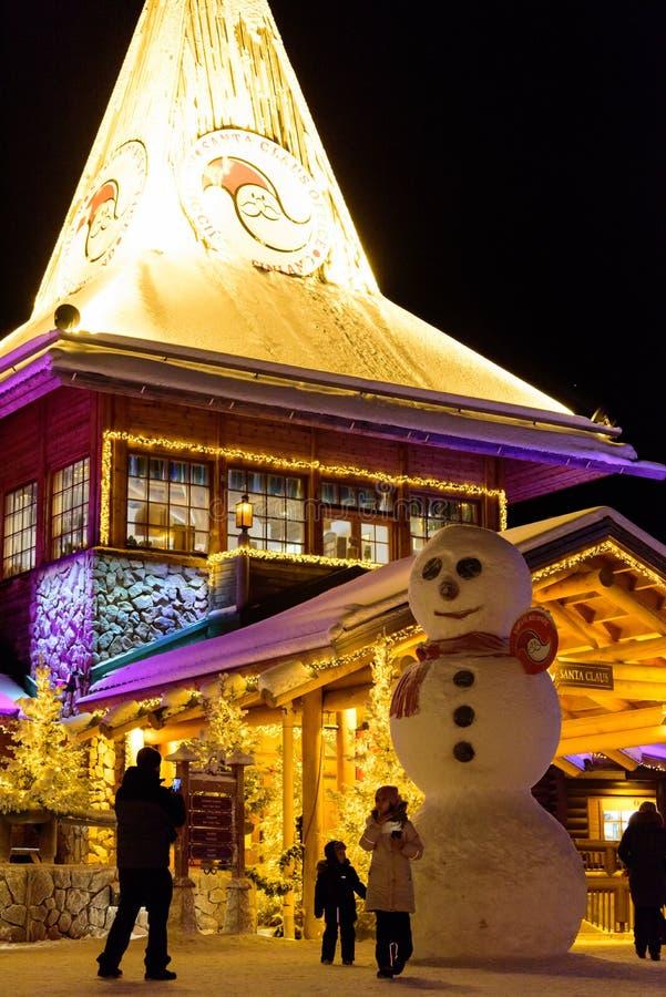 Editoriale: La Lapponia, Finlandia, il 30 dicembre 2018 Villaggio di Santa Claus a Rovaniemi, Lapponia Findland fotografie stock libere da diritti