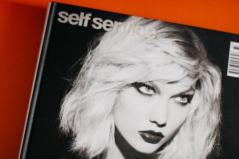 Edizione 39 della rivista di self service fotografia stock