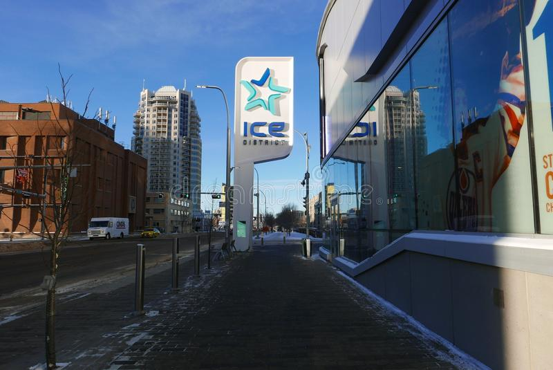 Edmonton, Kanada 27. Dezember 2016: Roger-` s Platz Edmonton-` s im Eis-Bezirk stockfotografie