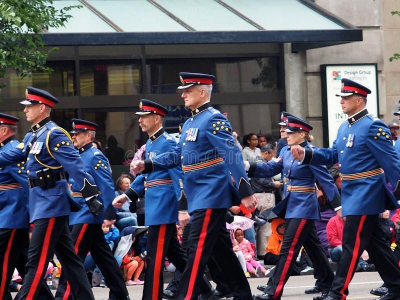 Edmonton-Stadt-Polizei in der formalen Uniform stockfoto