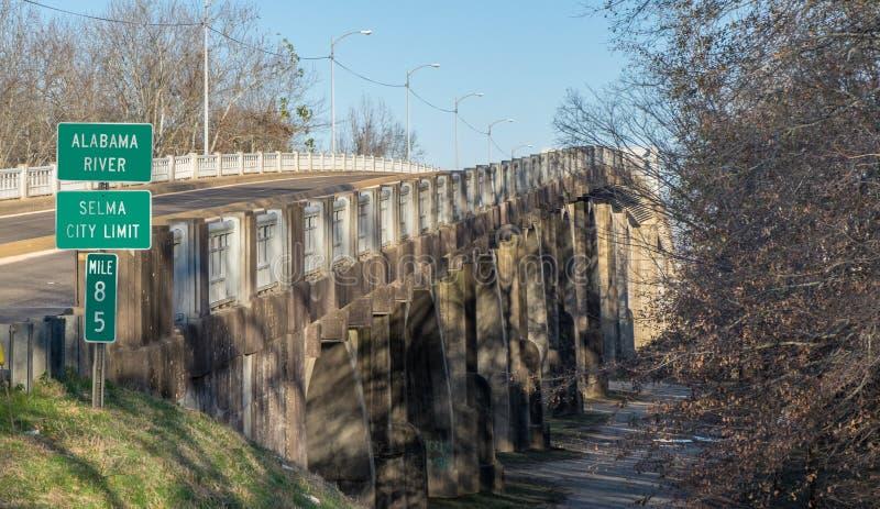 Edmund Pettus Bridge in Selma Alabama royalty-vrije stock foto's