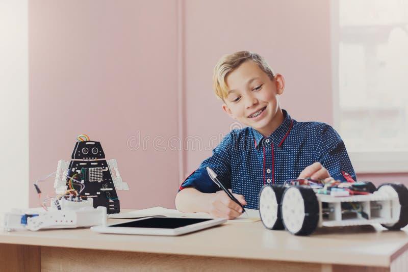 Educação da HASTE Criando o projeto da robótica, modelo foto de stock
