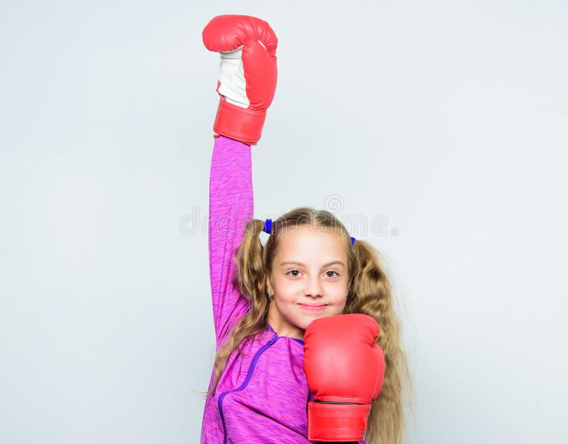Educação para o líder Encaixotamento forte da criança Conceito do esporte e da saúde Esporte de encaixotamento para a fêmea Habil imagem de stock royalty free