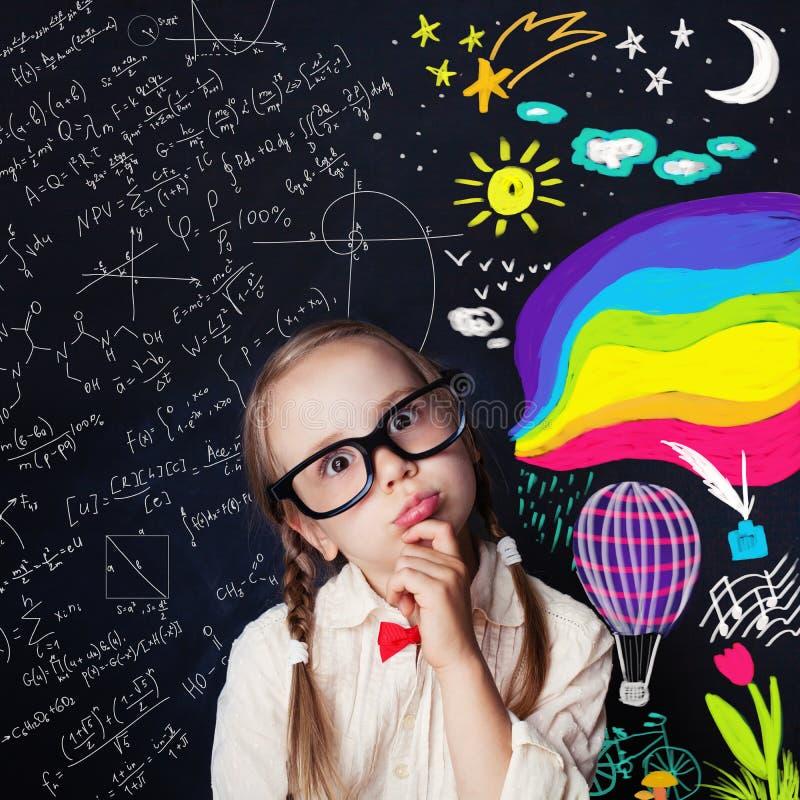 Educación de la creatividad y concepto de las ideas del niño fotografía de archivo libre de regalías