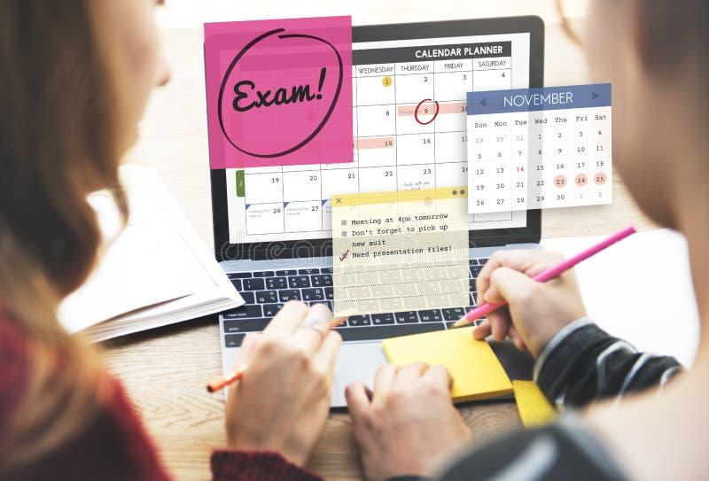 Educación del examen para hacer concepto del horario de la escuela del comentario imagen de archivo