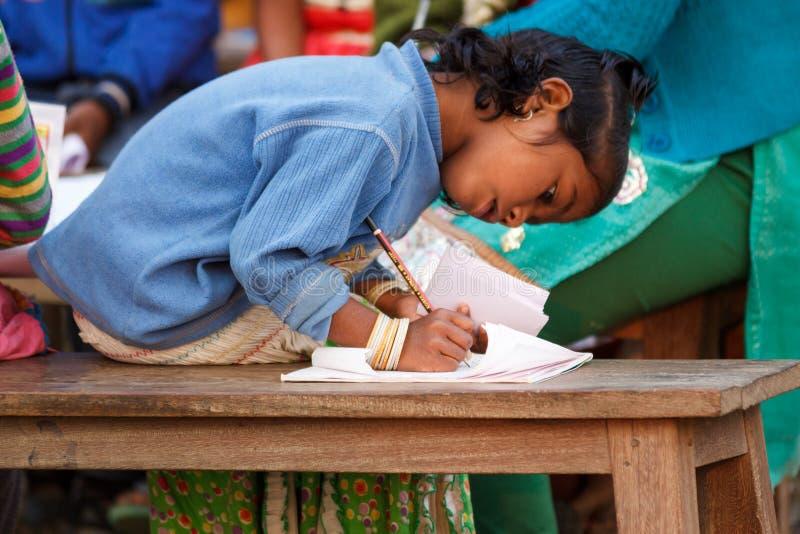 Educación, niño indio de la muchacha imagen de archivo