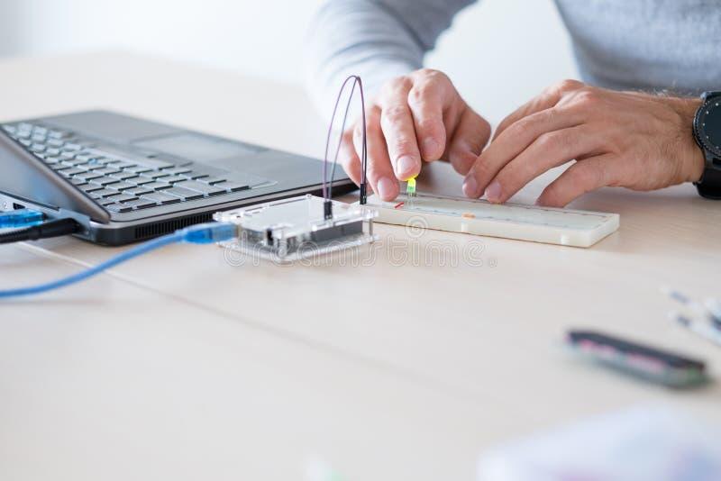 Educación technolodgy del microcontrolador electrónico fotografía de archivo libre de regalías