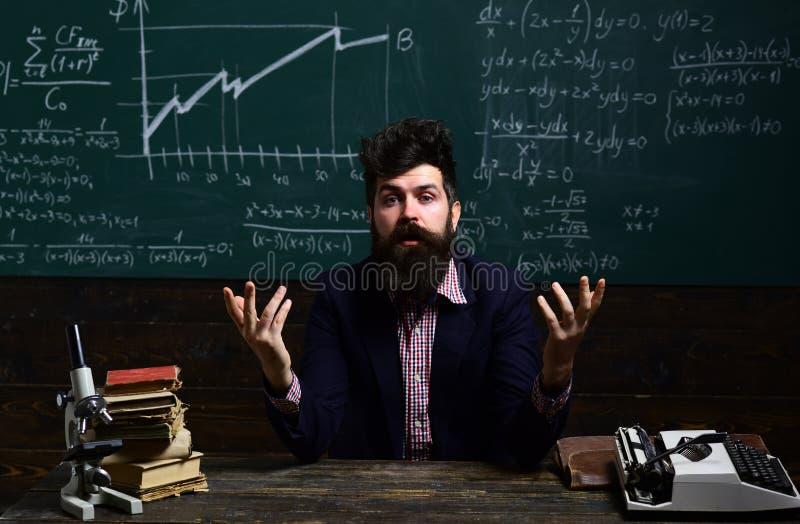 Edukacja i szkoły pojęcie Jaki ilości robią nauczyciela Fachowi adiunktów eksperci w ich naukowiec zawartości fotografia royalty free