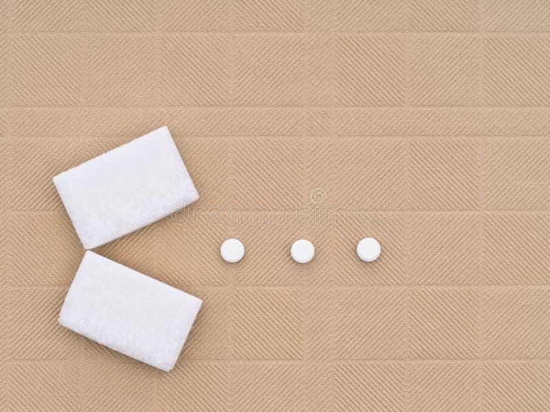 Edulcorantes - cubos do açúcar e edulcorantes artificiais - aspartame e imagens de stock royalty free
