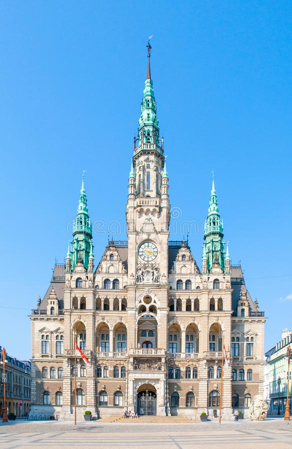 Edvard Benes广场的城镇厅在利贝雷茨,捷克 免版税库存图片