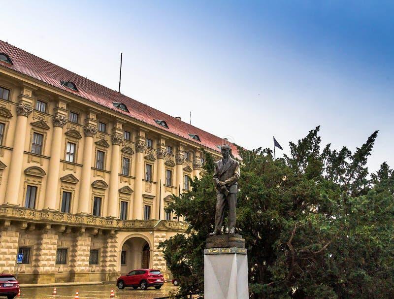 Edvard Benes雕象在Czernin宫殿前面的 布拉格 免版税库存照片
