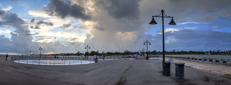 Edward B Ridder Pier bij zonsondergang in Key West, royalty-vrije stock afbeeldingen