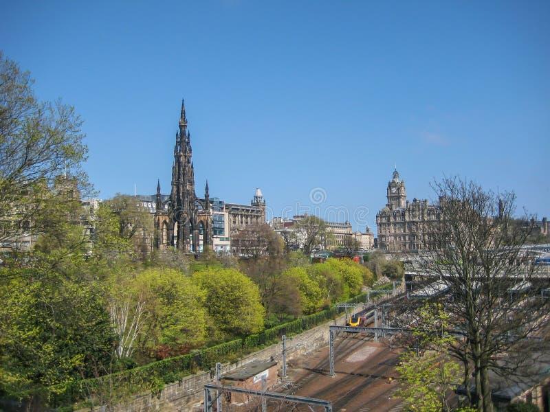 Edynburg centrum miasta z Scott zabytku i książe ulicy ogródami zdjęcia stock