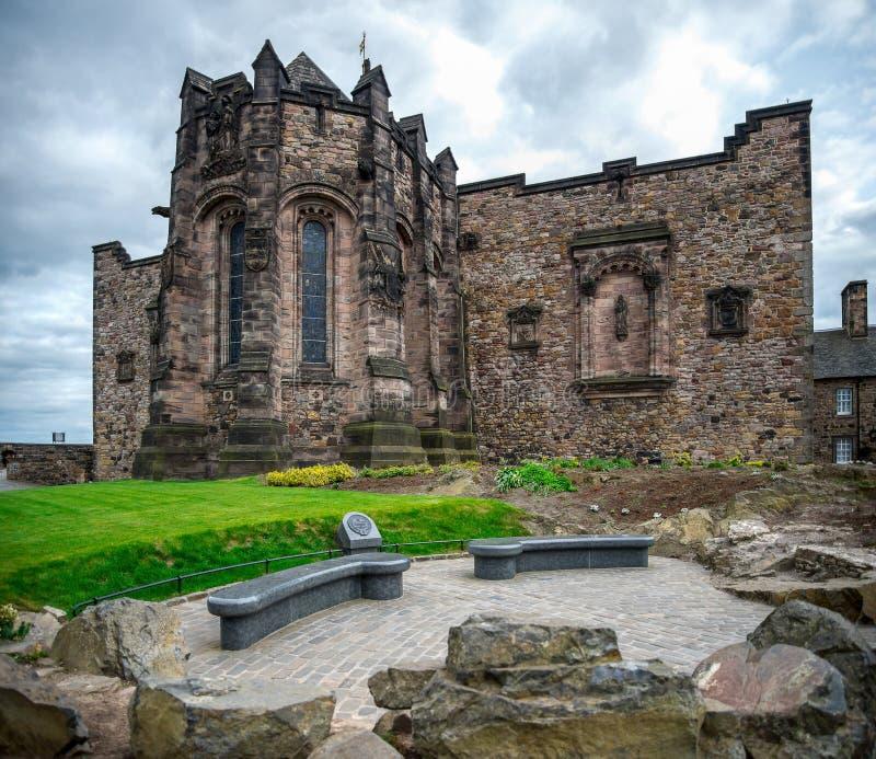 Een achterkantmening van Schots Nationaal Oorlogsgedenkteken binnen van het Kasteel van Edinburgh stock fotografie