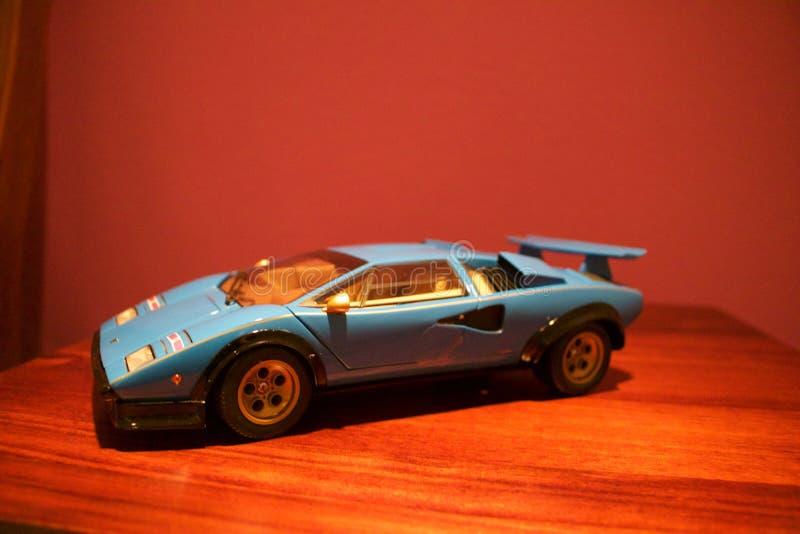 Een agressief profiel van een replica van Lamborghini Countach royalty-vrije stock foto