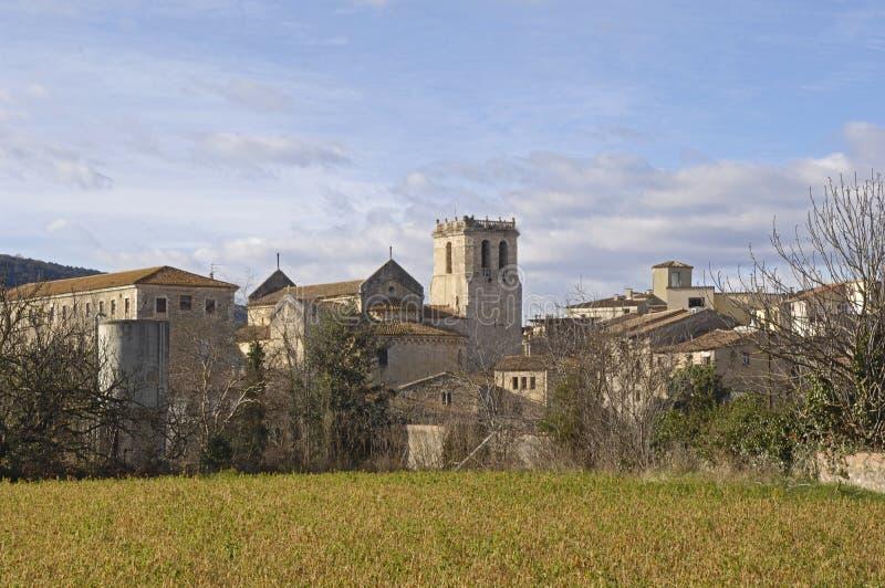 Een andere mening van het middeleeuwse dorp van Besalu stock foto