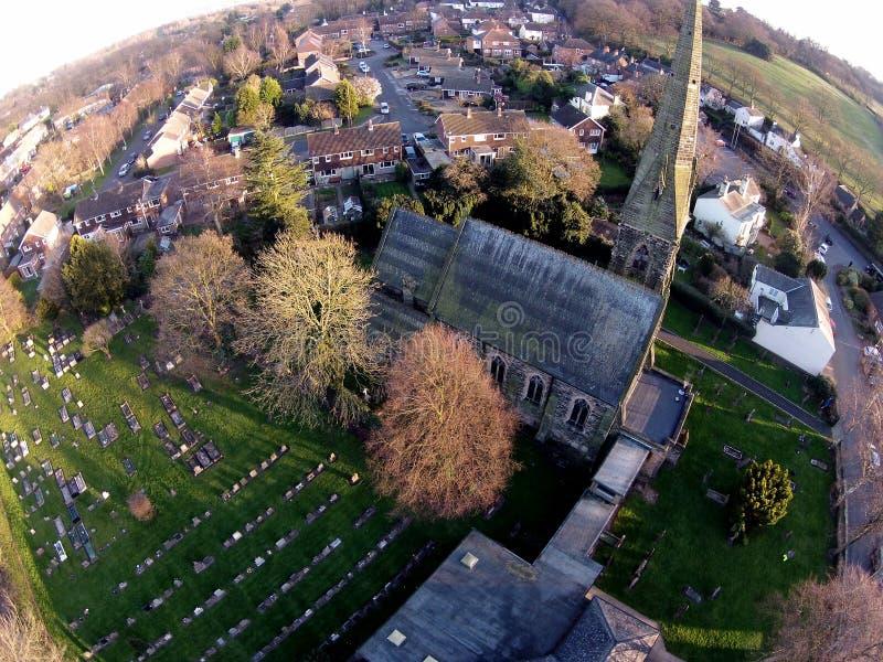 Een antenne van Methodist kerk die van Bramscote wordt geschoten royalty-vrije stock afbeeldingen