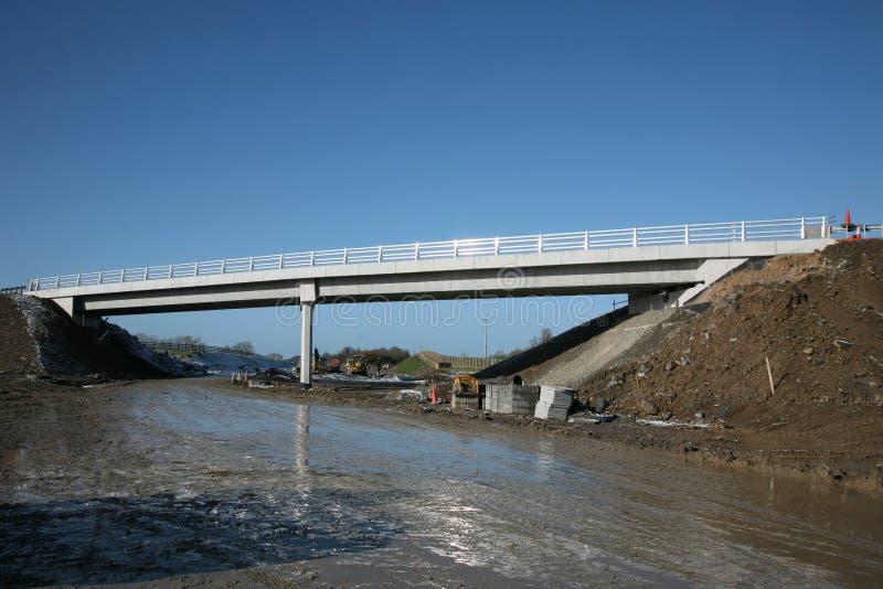 Een autosnelweg overbridge stock fotografie