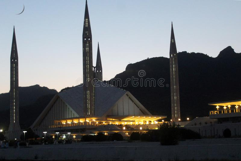 Een avondmening van Faisal Mosque, Islamabad royalty-vrije stock foto