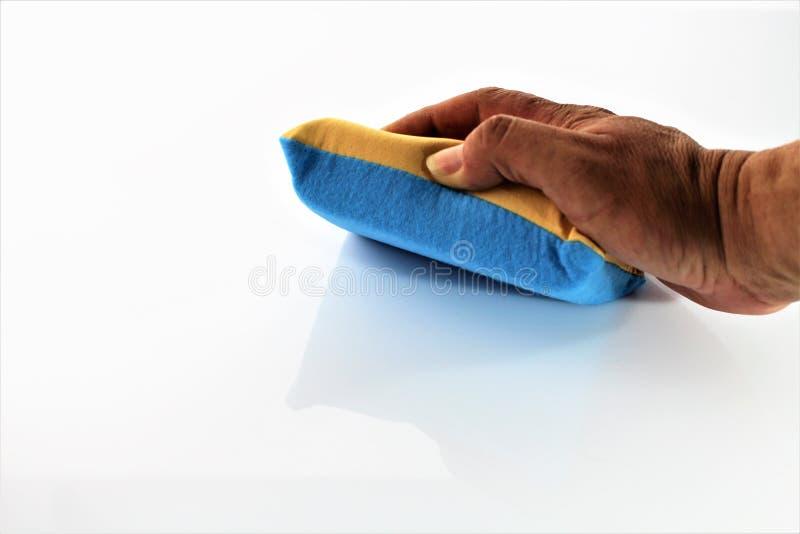 Een beeld van het schoonmaken van een oppervlakte - versies van de huishouden de Verschillende kleur royalty-vrije stock fotografie