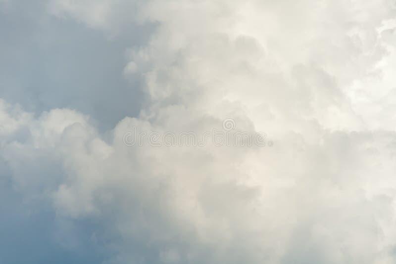 Een beeld van wolk in de hemel stock afbeeldingen