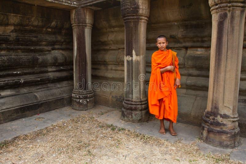 Een beginner Boeddhistische monnik van Angkor Wat, Siem oogst, Kambodja royalty-vrije stock afbeelding