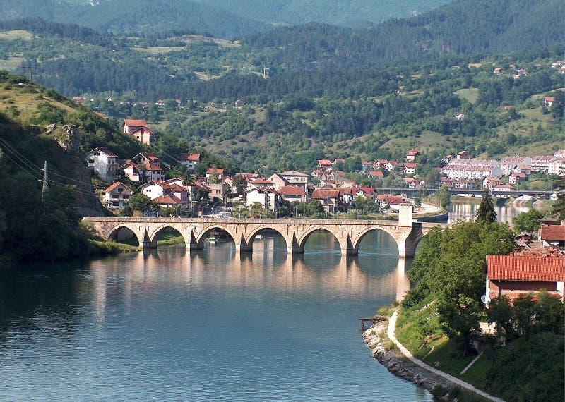 Een beroemde brug op Drina River stock afbeeldingen