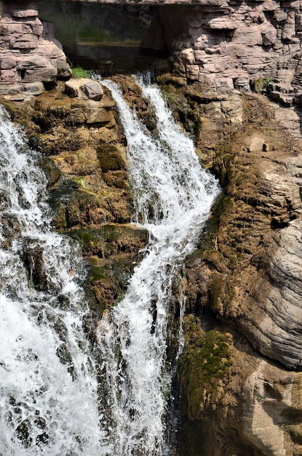 Een bevallige waterval danst royalty-vrije stock fotografie