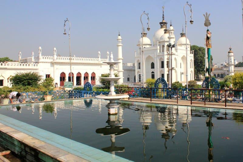 Een bezoek aan Lucknow, de stad die van Nawabs rijke erfenisgebouwen en ook eigentijdse structuren hebben stock foto