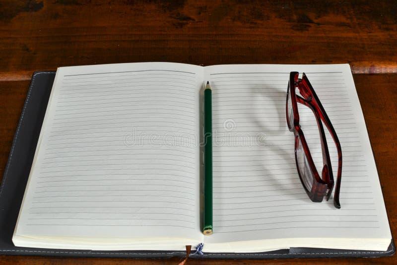 Een blanco pagina stock afbeelding