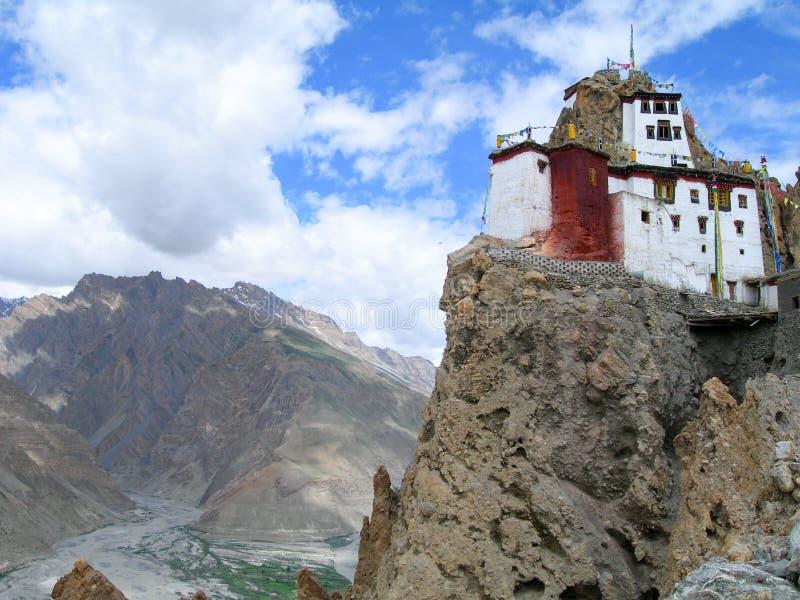 Een Boeddhistisch klooster in Noordelijk India Himalayagebergte stock foto's