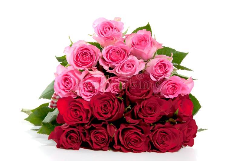 Een boeket van roze en rode rozen stock fotografie