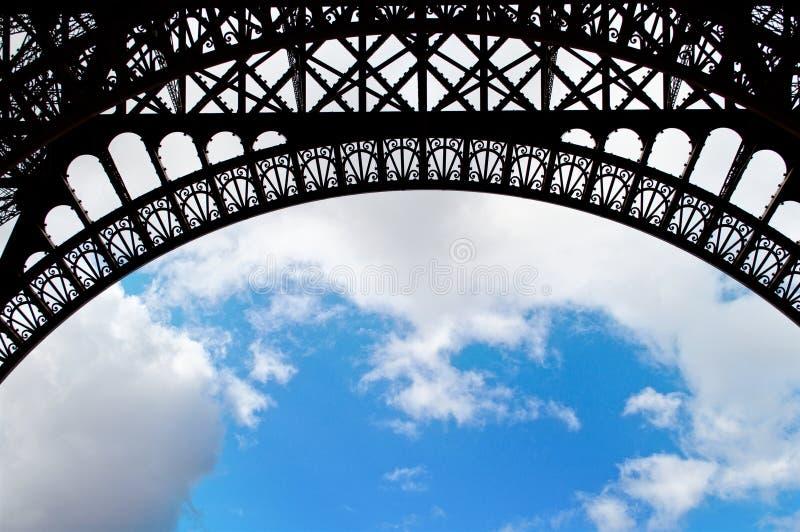 Een boog van de toren van Eiffel stock fotografie