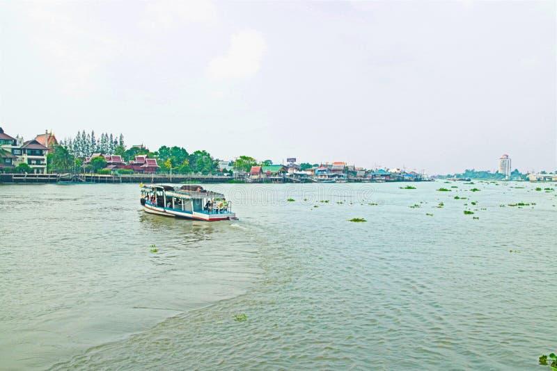 Een boot op het kanaal stock foto's