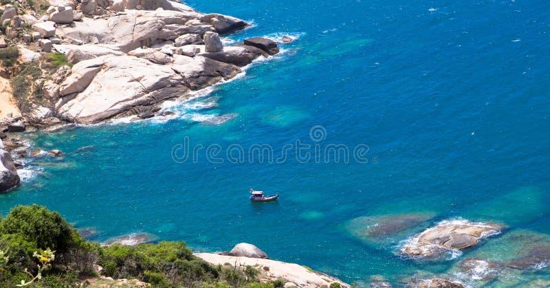 Een boot op het strand, de Zoon Hai van Mui Dinh- royalty-vrije stock foto's