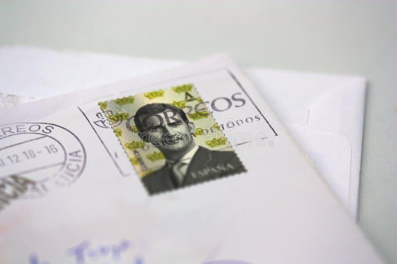 Een brief met een zegel in Spanje wordt gedrukt dat stock afbeelding