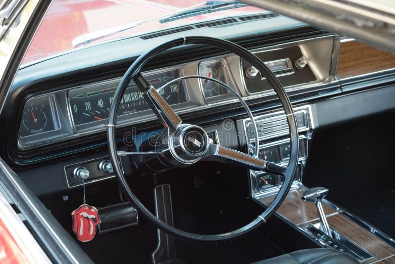 Een Chevrolet-auto in Vaduz wordt geparkeerd die royalty-vrije stock fotografie