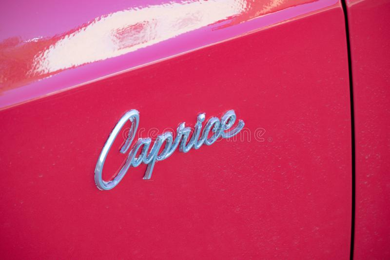 Een Chevrolet-auto in Vaduz wordt geparkeerd die stock fotografie