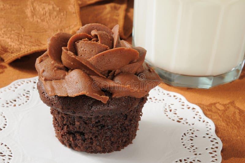 Gastronomische chocolade cupcake royalty-vrije stock afbeelding
