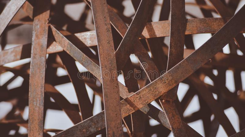 Een Close-up van Art Piece Sculpture In Downtown Coeur D ` Alene dat Goed Achtergrond of Behang zal maken stock foto