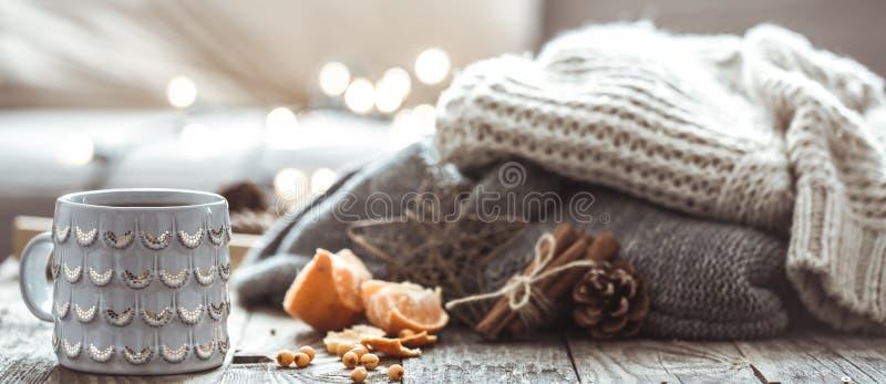 Een comfortabel de Kopstilleven van de Kerstmisthee royalty-vrije stock afbeelding