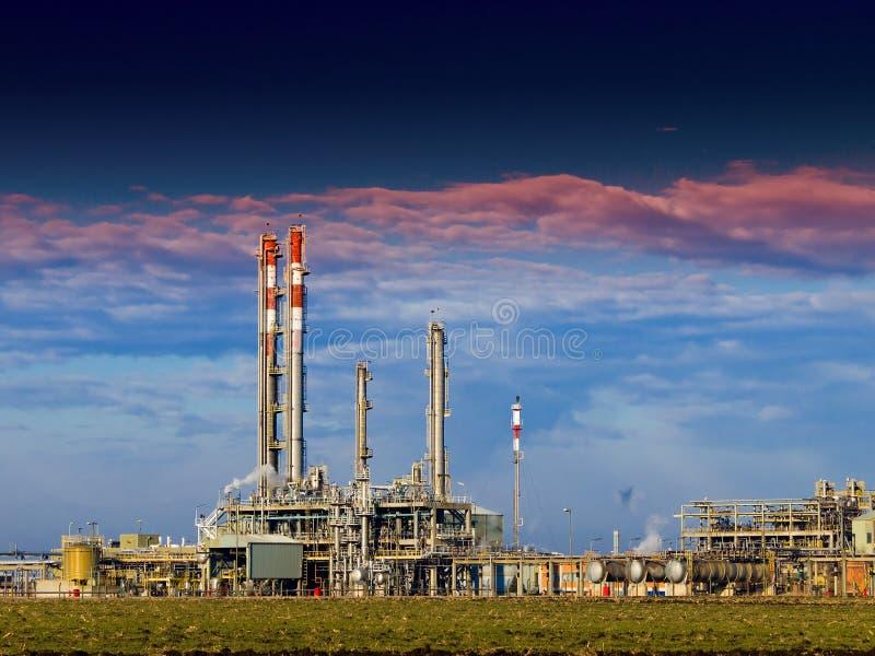 Een complexe deel van raffinaderij royalty-vrije stock foto's