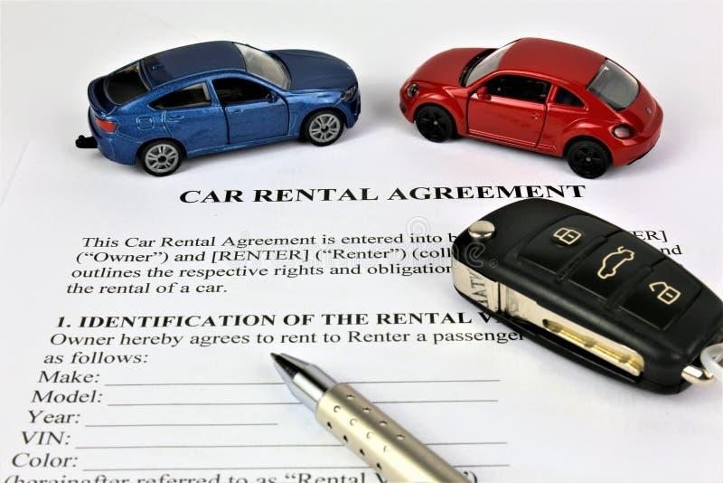 Een conceptenbeeld van een overeenkomst van de autohuur royalty-vrije stock afbeeldingen