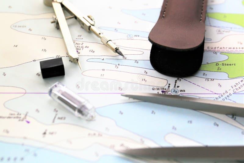 Een conceptenbeeld van een zeevaartontwerp - breng in kaart, plan royalty-vrije stock foto