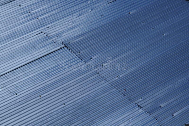 Een dak bouwt van metaal royalty-vrije stock afbeelding