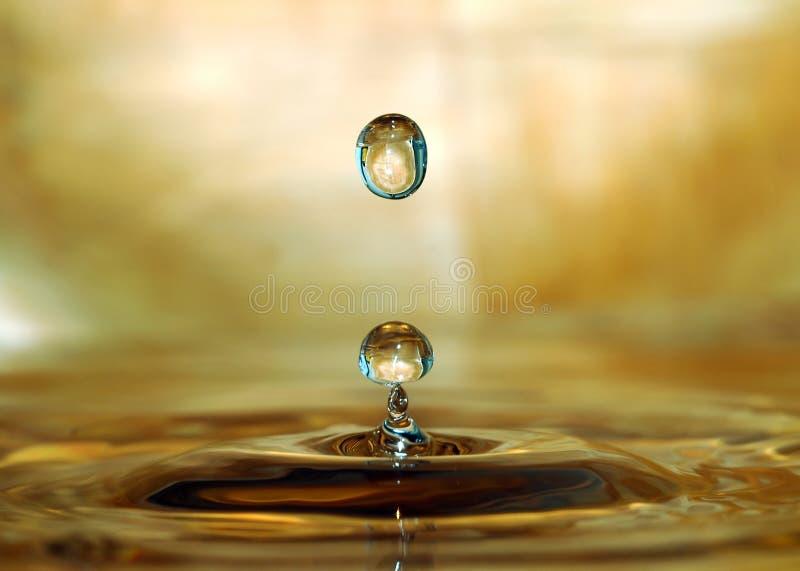 Download Een daling stock foto. Afbeelding bestaande uit soda, water - 296716